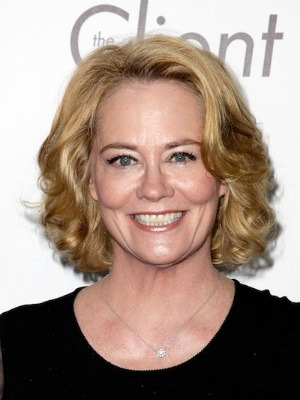Cybill Shepherd's curly hairstyle