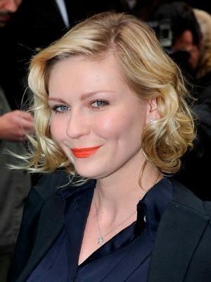 Kirsten Dunst's curly hairstyle