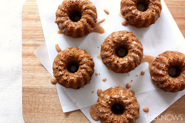Gingerbread mini Bundt cakes with cinnamon glaze recipe