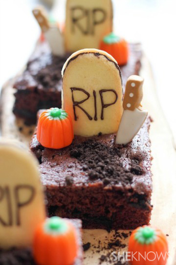 Spooky graveyard brownies