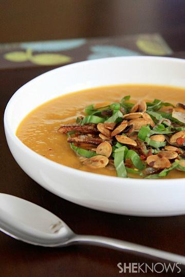Vegan spicy pumpkin soup