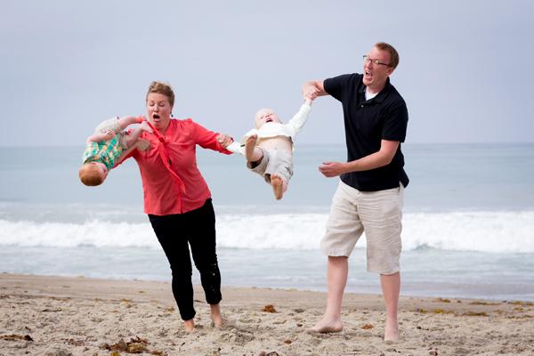 Baby photo fails - Epic seaside fail