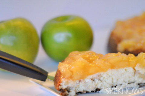 apple cheesecake with gingersnap crust