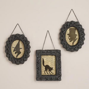 Spooky and chic decor
