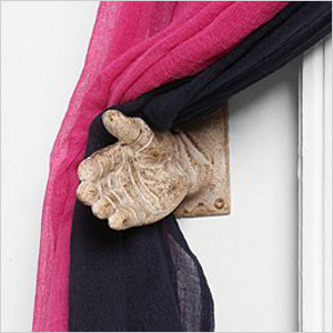 Hand curtain tie-back