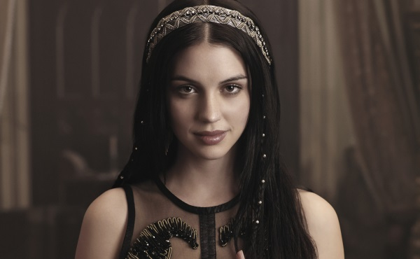 Reign review: This season's sexiest premiere