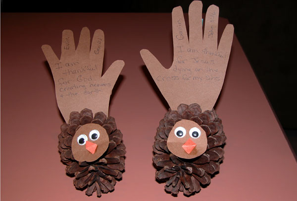 Thankful pinecone turkey
