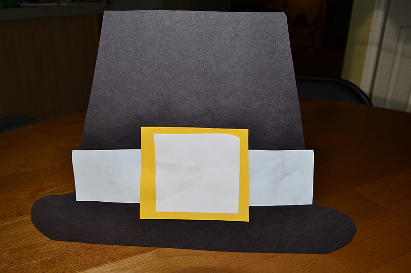 Thanksgiving crafts: Pilgrim hats