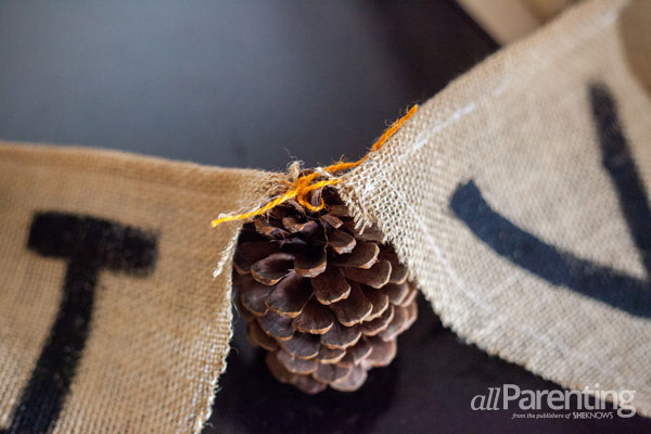 allParenting Thanksgiving garland step 4