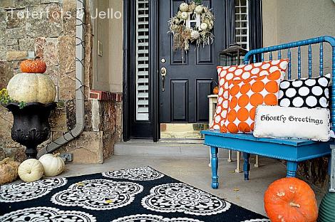 Fall porch decor: Be bold