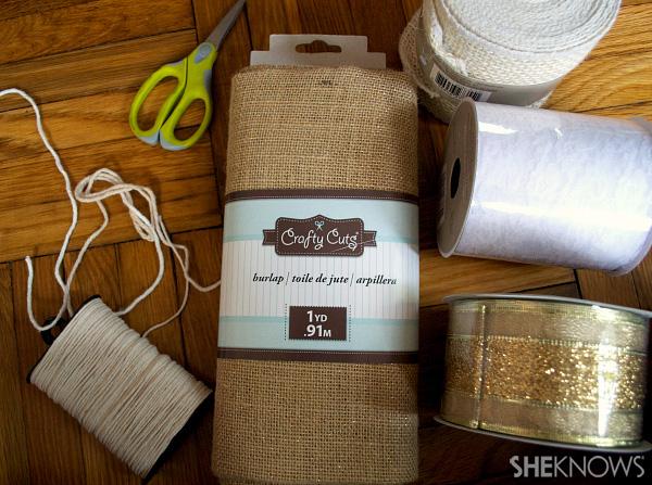 DIY burlap, ribbon & lace garland | Sheknows.com -- materials