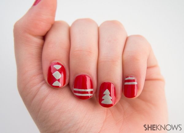 The cute knit patterns you love, on nails!