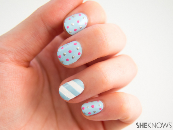 Cookie swap party nails | Sheknows.com -- stripe