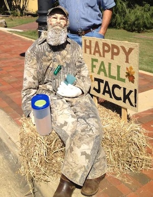 Duck Dynasty scarecrow of Uncle Si