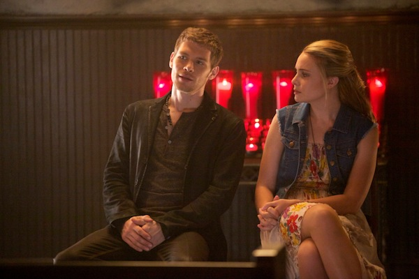 Klaus and Cami talk in The Origianls