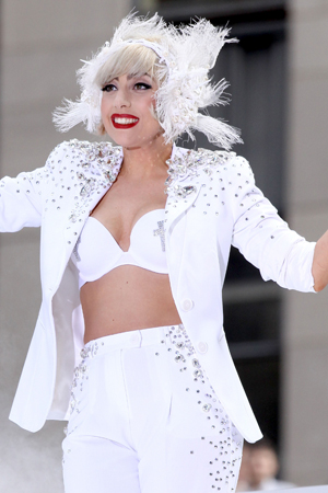 lady gaga craziest hairstyles winter effect