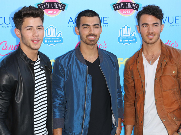 Nick, Joe and Kevin Jonas