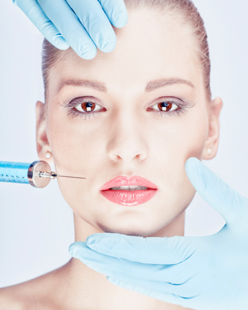 Woman in 20s having botox