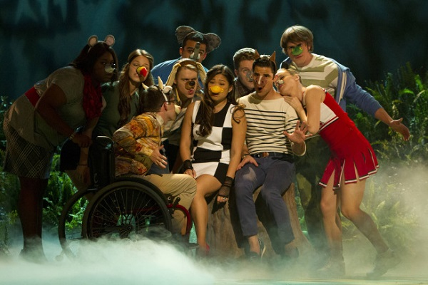 Glee cast on Puppet Master