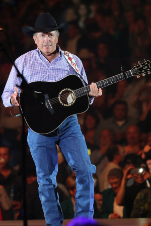 All hail the King  of Country