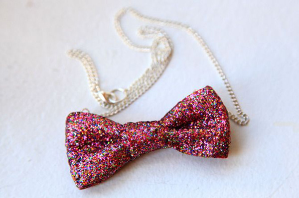 5 ways to use glitter for diy fashion for What kind of glue to use for jewelry