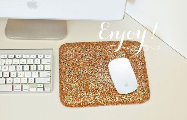 Glittered mouse pad