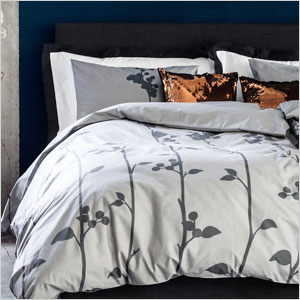 White and gray patterned duvet