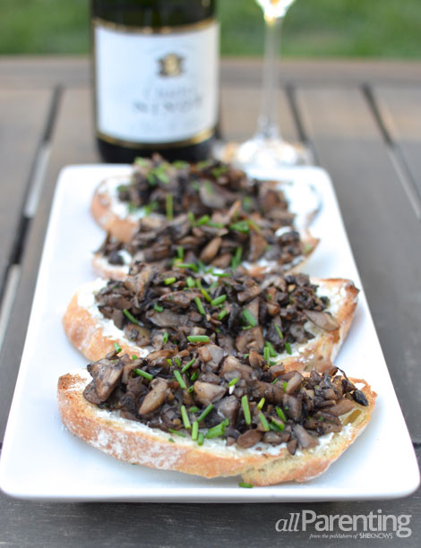 allParenting Mushroom and goat cheese crostini