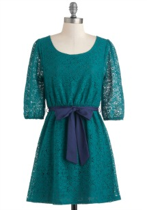 winter feminine trends- lace dress