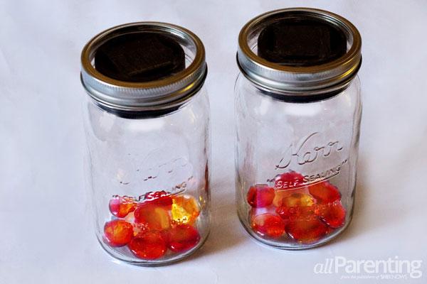 allParenting Solar light mason jars