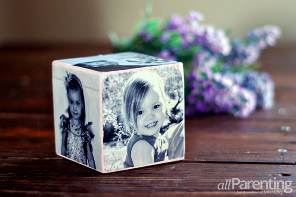DIY photo gifts: photo cube