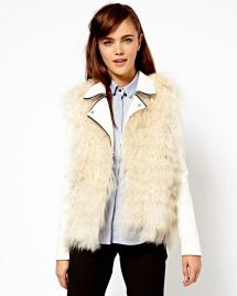 Unconventional coats- Faux fur gilet