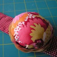 Wrist pincushions