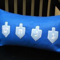 Dreidel pillow