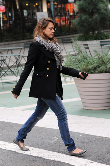 Jessica Alba'slayered look