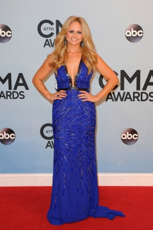 See the CMAs winners  as they happen!