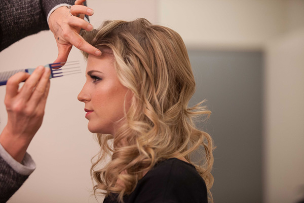 SheKnows went behind the scenes with Clara Henningsen to get her hair and makeup tips for the 2013 CMA Awards.