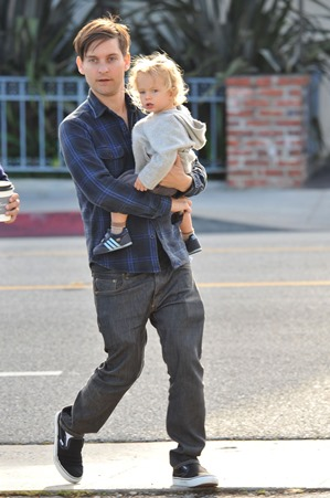 Tobey Maguire and son Otis
