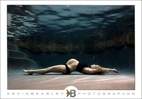 Underwater maternity photo