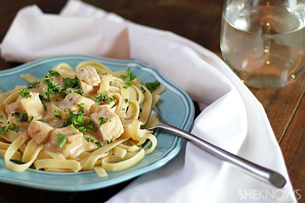 Skinny one-pot chicken alfredo | Sheknows.com - final product