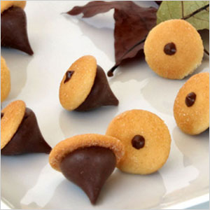 Hershey's Kiss acorn cookies snack | Sheknows.com