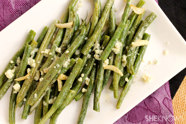 Olive oil and garlic green beans with crumbled blue cheese