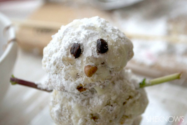 Adorable snowman tea cake cookies