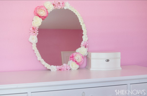 Mirror for your daughter's room