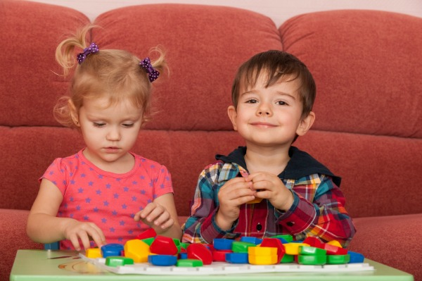 Preschoolers sharing