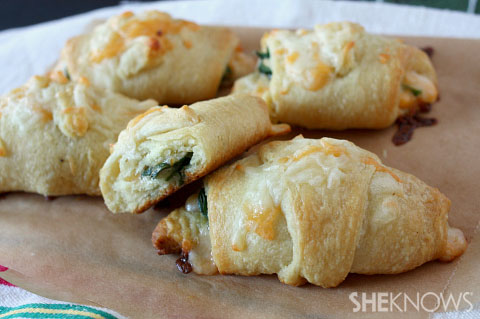 Dinner Shortcuts Cheesy spinach crescent rolls
