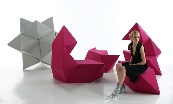 Puzzling star sofa and desk