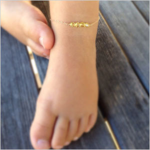 Pretty ankle bracelet with Swarovski crystals