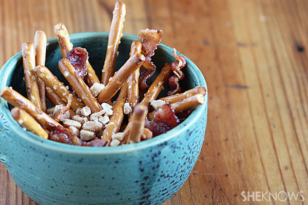 Pretzel, toffee and bacon snack mix