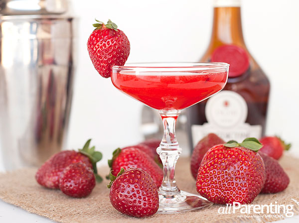 allParenting Seductive strawberry cocktail